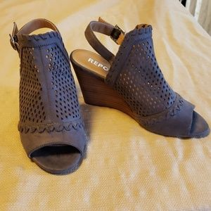 Report brand stacked leather wedge shoe NWOT